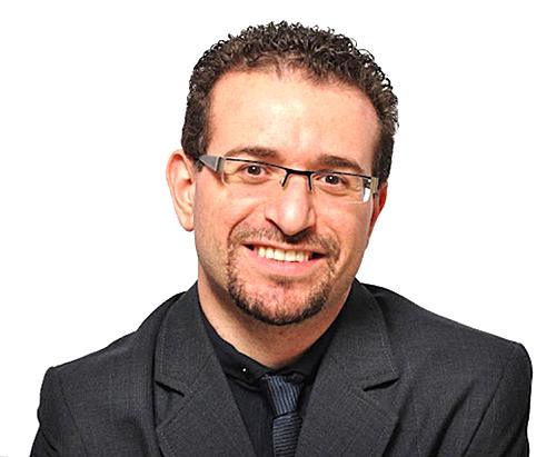 """ד""""ר גיא לוי - רופא חניכיים מומחה לחניכיים ל"""